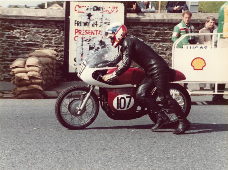 Bultaco 1st Classic Manx.jpg